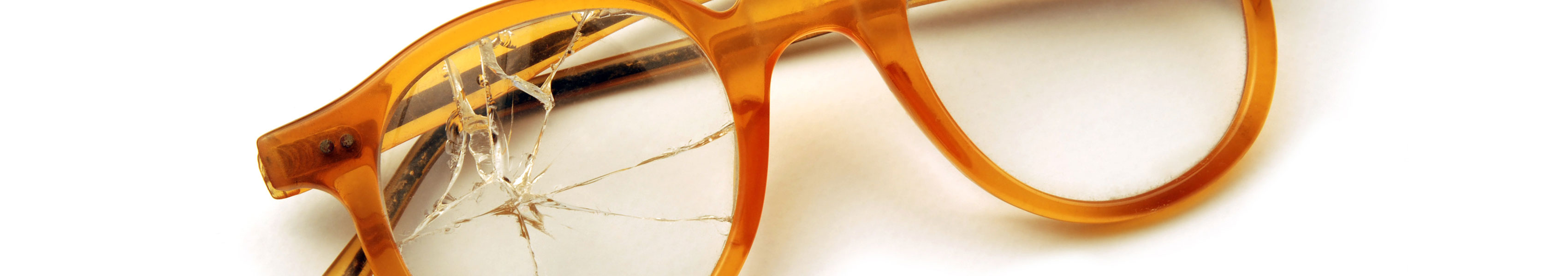 We can also replace the lenses of glasses purchased at other shops for a singlefixed price!